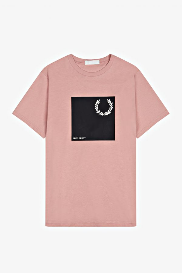 Laurel Wreath Graphic T-Shirt