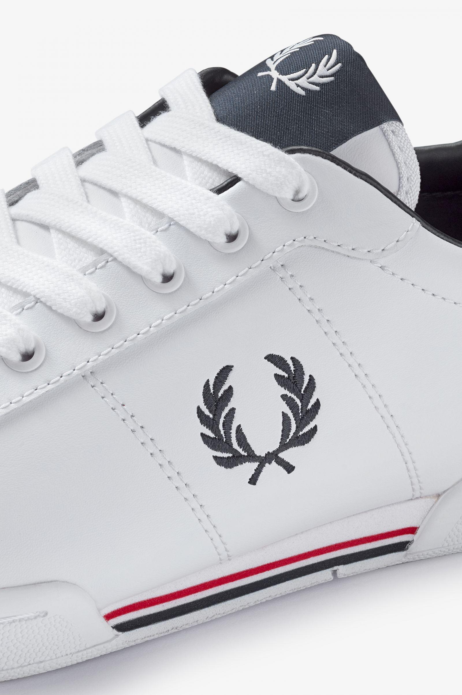 B722 Leather - White | Men's Footwear